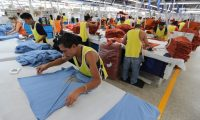 En la maquila CENTEXA ubicada en La Brigada, zona 7 de Mixco se corta, arma y confecciona ropa que se envía a Estados Unidos.   ÓSCAR RIVAS   05 07 2018