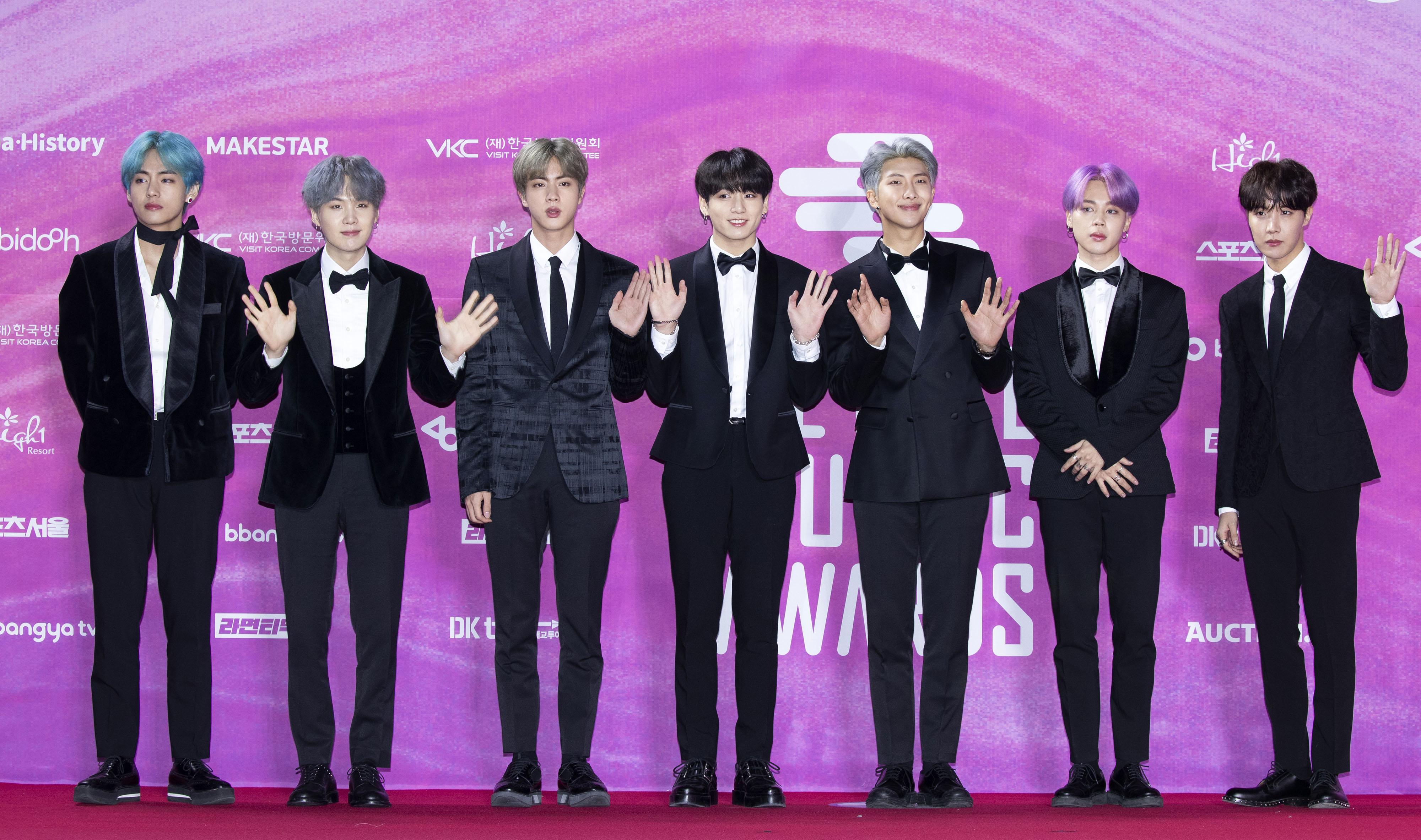 Según datos de AFP se estima que el fenómeno K-pop BTS genera cerca de 4 millones de dólares al año para la economía surcoreana. (Foto Prensa Libre: Lee Young-ho/Sipa USA.)