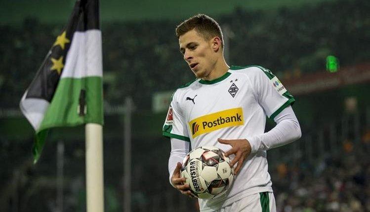 Thorgan Hazard, hermano de Eden Hazard, podría llegar al Borussia. (Foto Prensa Libre: Twitter)