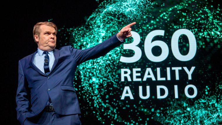 El CEO de Sony Music Entertainment, Rob Stringer, durante su presentación en el CES 2019. (Foto Prensa Libre: AFP)