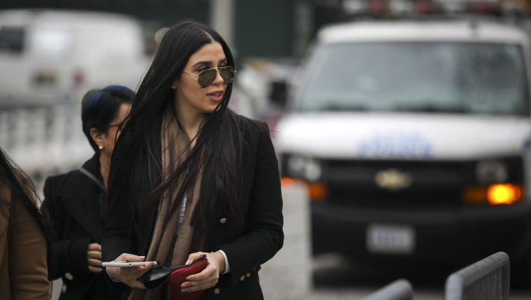 NEW YORK, NY - JANUARY 23: Emma Coronel Aispuro, the wife of Joaquin 'El Chapo' Guzman, arrives at the U.S. District Court for the Eastern District of New York, January 23, 2019 in New York City. El Chapo is accused of trafficking over 440,000 pounds of cocaine, in addition to other drugs, and exerting power through murders and kidnappings as he led the Sinaloa Cartel. Prosecutors say they expect to rest their case soon in the trial that began in November.   Drew Angerer/Getty Images/AFP == FOR NEWSPAPERS, INTERNET, TELCOS & TELEVISION USE ONLY ==
