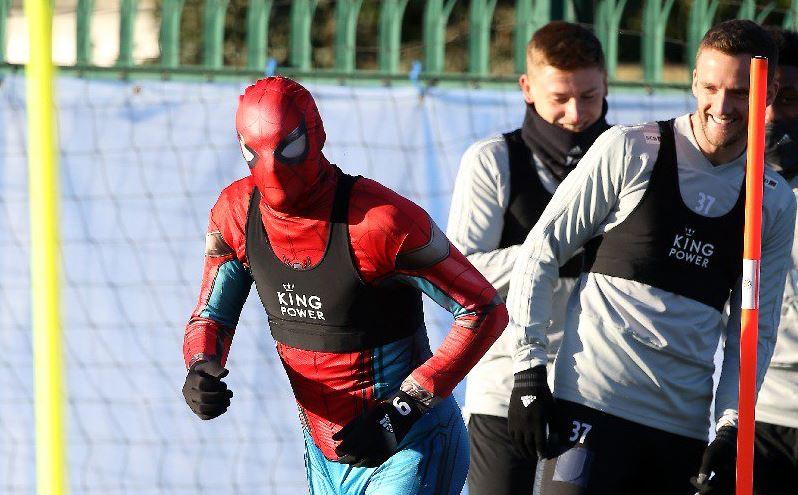 ¿Por qué Jamie Vardy entrena con el Leicester disfrazado de Spiderman?