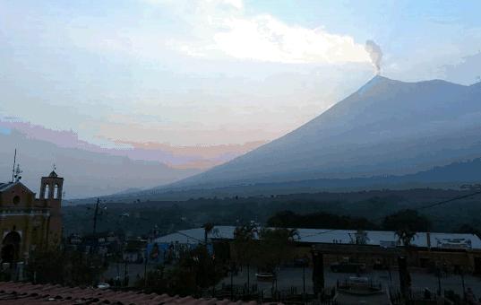 El Volcán de Fuego es monitoreado constantemente por la Conred. (Foto Prensa Libre: Conred).