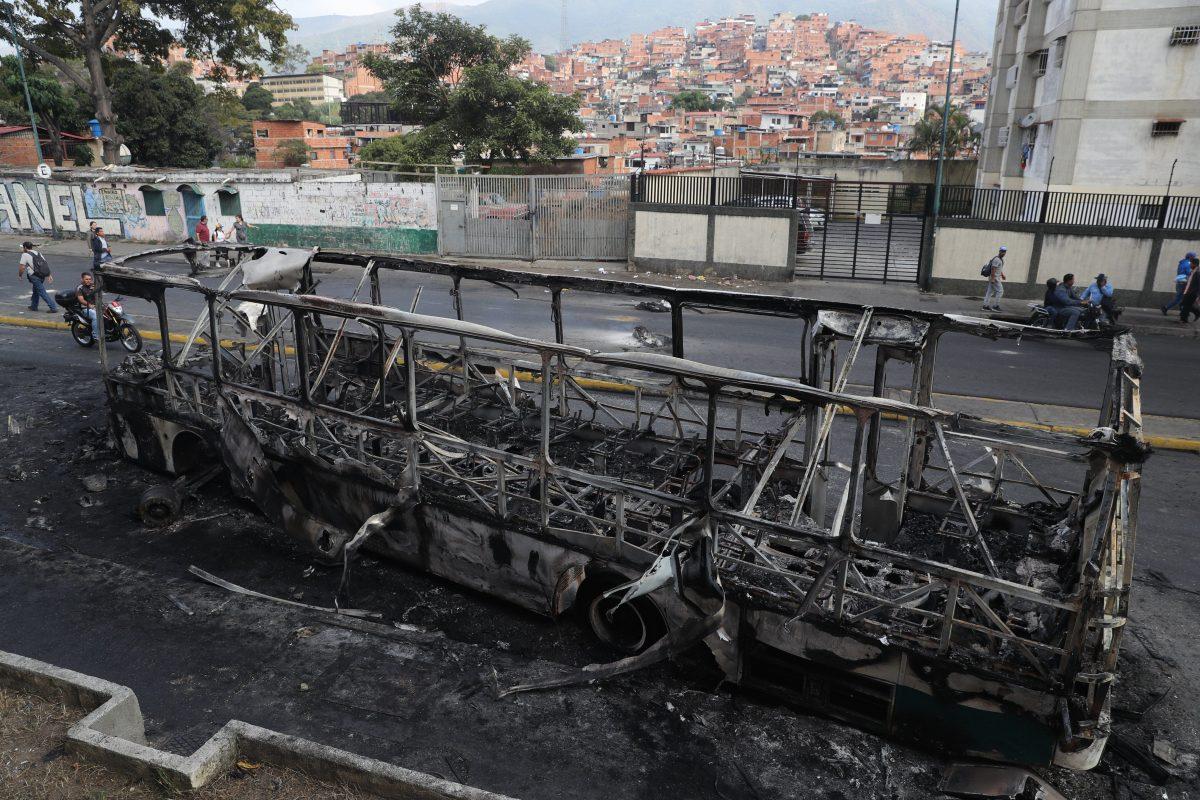 Cuatro muertos en disturbios previos a marchas en Venezuela