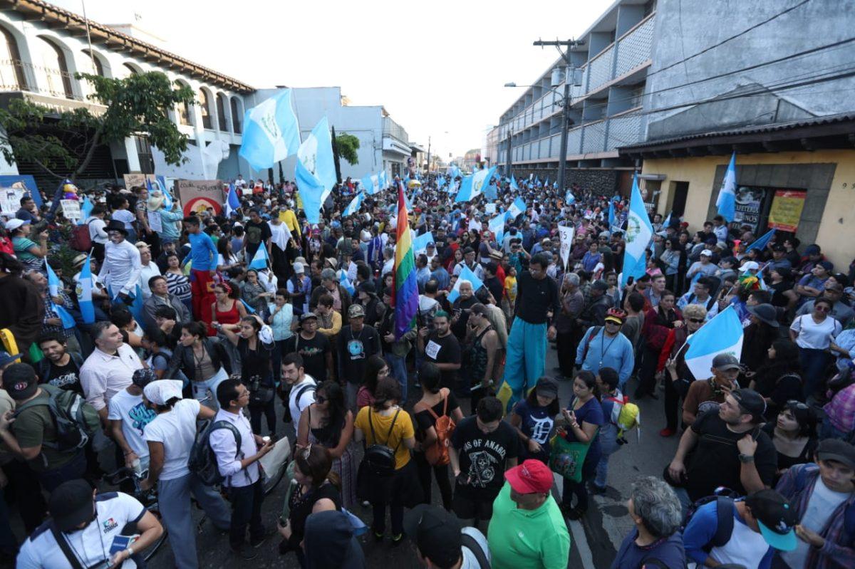 Manifestaciones a favor y en contra del gobierno de Jimmy Morales por salida de la Cicig