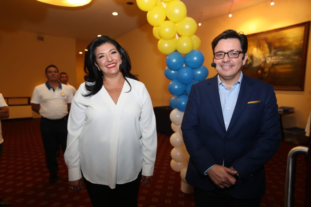 Julio Héctor Estrada será el candidato a la presidencia por el partido Creo junto a su compañera de fórmula Yara Argueta. (Foto Prensa Libre: Óscar Rivas)