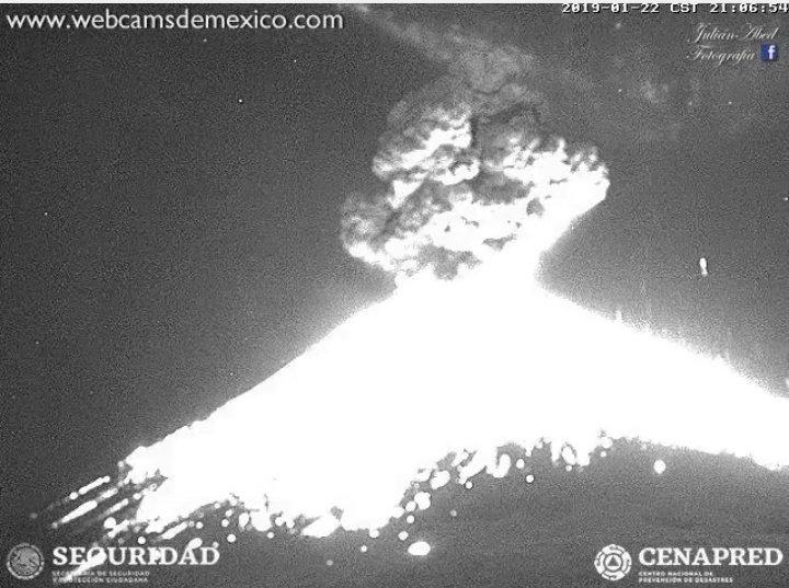 Cámara capta explosión de coloso. (Foto: Gobierno de Puebla)