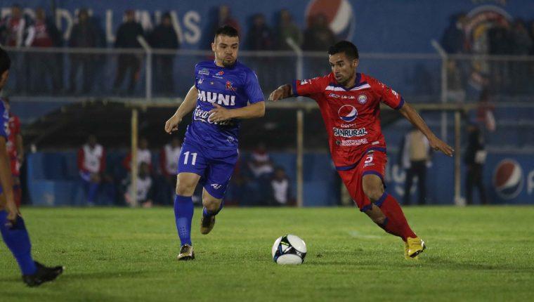 Xelajú MC tuvo un duro compromiso contra Malacateco. (Foto Prensa Libre: Raúl Juárez)