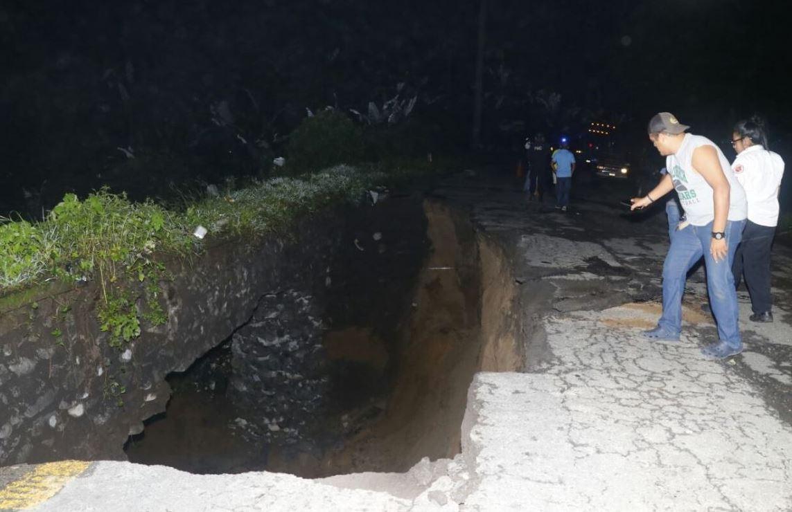 Cierran paso de ruta que conduce de Retalhuleu a Quetzaltenango por colapso de tramo carretero