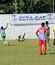 Andrés Lezcano cerró la cuenta para Antigua GFC. (Foto Prensa Libre: Enrique Paredes)