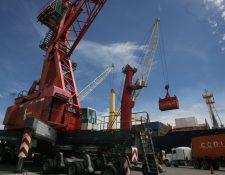Documentos fueron firmados por subinterventor de la Empresa Portuaria Quetzal, autoridades analizan legalidad de contratos. (Foto Prensa Libre: Hemeroteca PL)