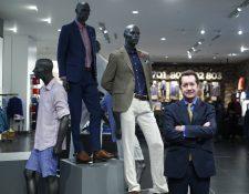 La tienda de Oakland Mall será la primera en el país, a corto plazo se inaugurará otra sucursal en Paseo Cayalá, según Carlos Arturo Calle, gerente general de la marca. (Foto Prensa Libre: Carlos Hernández).