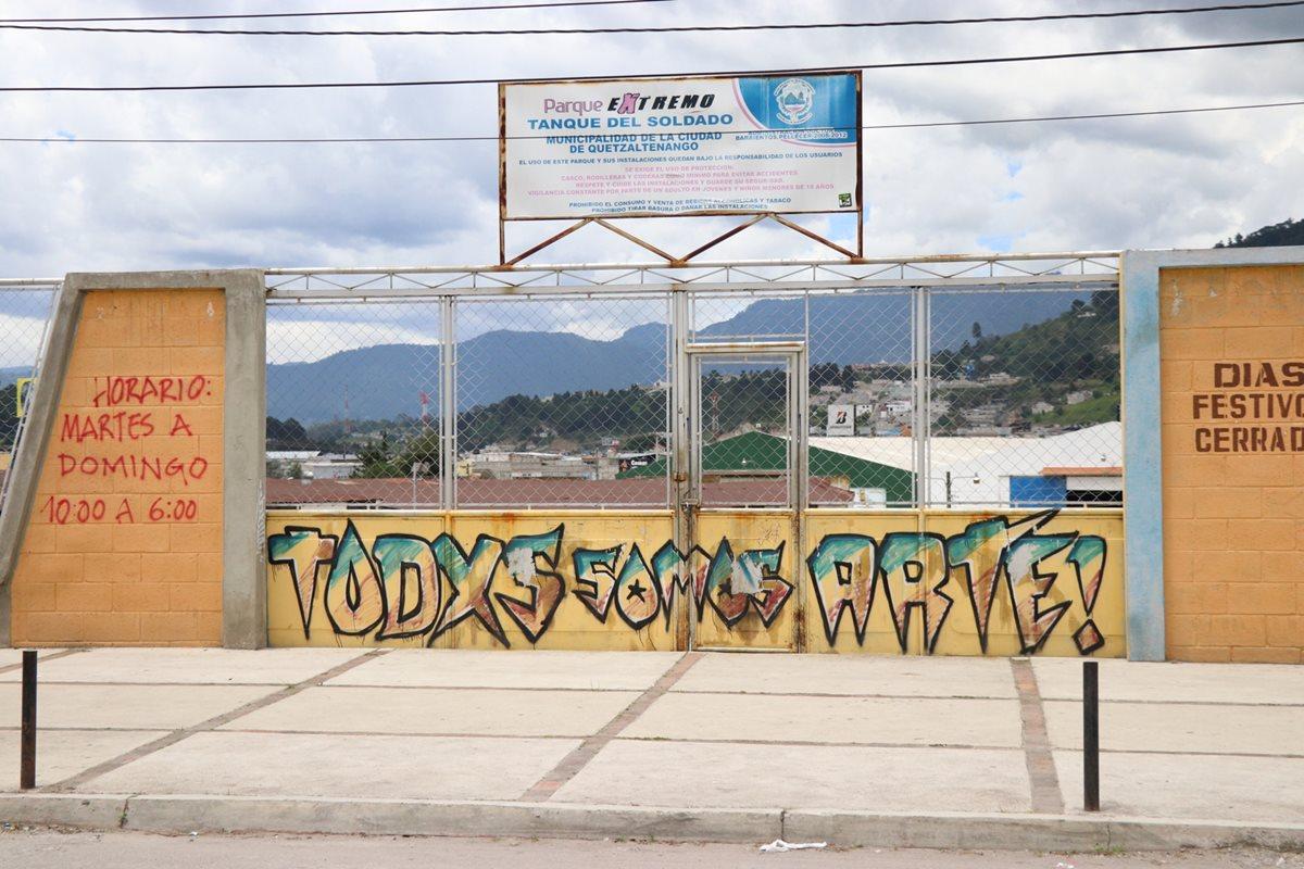Niños y jóvenes de Xela se quedan sin dos parques; comuna los cierra