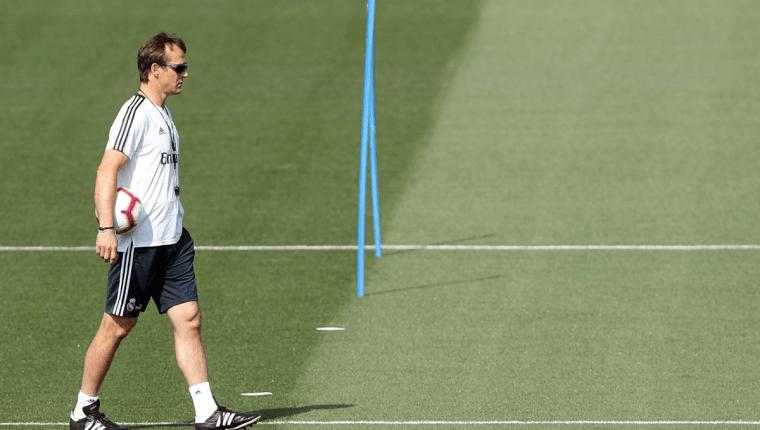 El técnico Julen Lopetegui tiene como objetivo ganar la liga española con el Real Madrid. (Foto Prensa Libre: EFE)