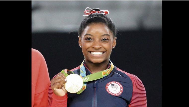 Simone Biles admitió sentirse con el corazón roto, pues mientras entrena pensado en su sueño olímpico regresa al lugar donde fue abusada. (Foto Prensa Libre: Hemeroteca PL)