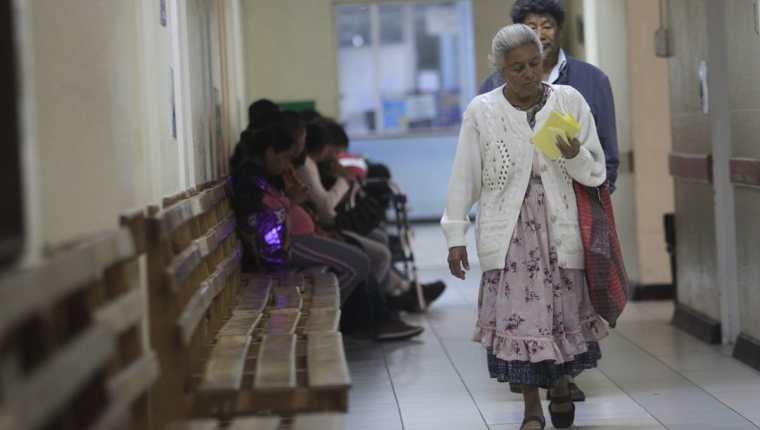 El cierre de la consulta externa y hospitales afectará a los guatemaltecos. Los profesionales de la Salud suspenderán el servicio el próximo 13 de agosto. (Foto Prensa Libre: Hemeroteca)