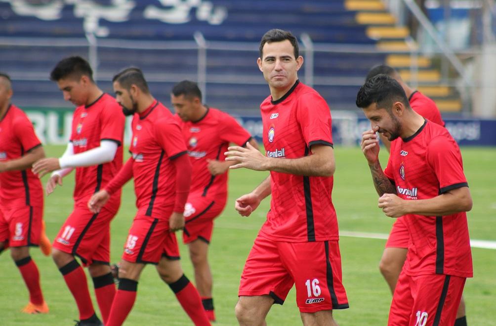 El mediocampista Marco Pablo Pappa se entrenó por primera vez en el estadio Mario Camposeco. (Foto Prensa Libre: Raúl Juárez)