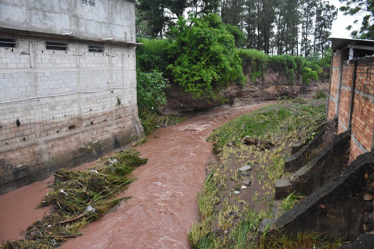 Desechos sólidos causan desborde de ríos en Esquipulas