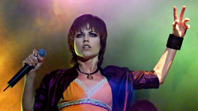 Dolores O'Riordan se sumó a la banda que originalmente se llamaba The Cranberry Saw Us en 1990, cuando el grupo buscaba una vocalista. REUTERS