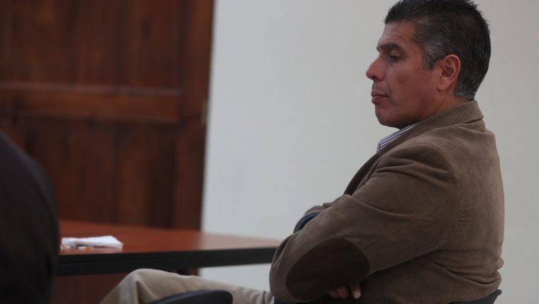 René Arturo Villavicencio Funes obtuvo una reducción de las penas por colaborar con el Ministerio Público en casos de corrupción en Xela. (Foto Prensa Libre: Mynor Toc)