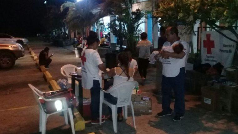 Los bloqueos por más de 24 horas afectaron la salud de varias personas. (Foto Prensa Libre: Dony Stewart)