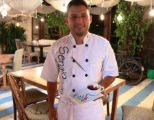 """La pasión por la cocina del chef Sergio Rivas es """"herencia"""" de su abuelo, un chef francés. (Foto Prensa Libre: María José Longo)"""