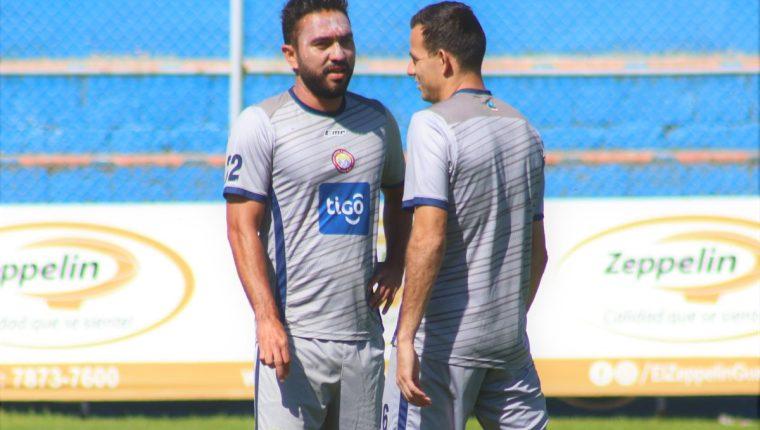 Carlos Kamiani y Marco Pappa esperan formar una dupla importante para llevar a Xelajú a ganar su sexto título. (Foto Prensa Libre: Raúl Juárez)