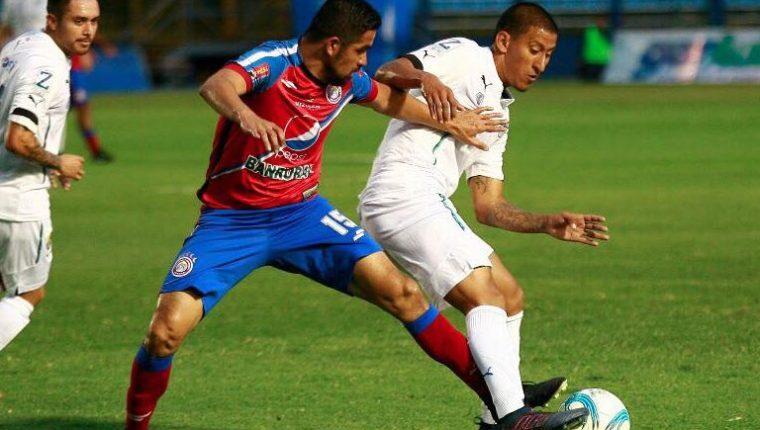 Steven Robles, de Comunicaciones, sufrió una fuerte lesión en el partido del sábado anterior contra Xelajú MC. (Foto Cortesía Comunicaciones FC).