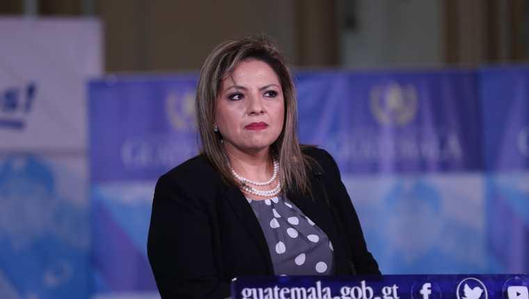 La canciller Sandra Jovel se negó a revelar nombres de las supuestas empresas que financiaron el viaje de Jimmy Morales y su comitiva a Israel. (Foto Prensa Libre: Esbin García)