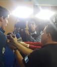 Charles Fernández es reconocido por ganar el Mundial Junior de pentatlón moderno. (Foto Prensa Libre: cortesía Fado)