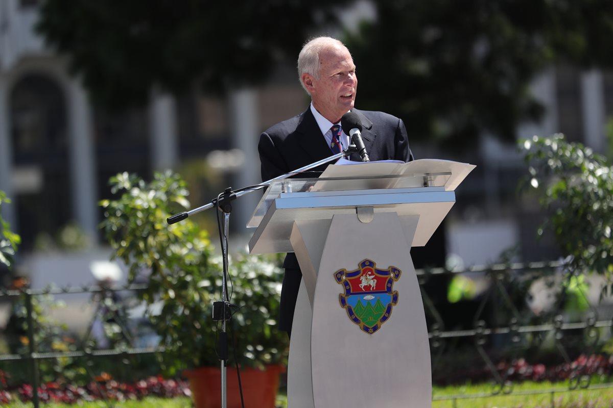 Álvaro Arzú debe conservar su inmunidad, recomienda jueza