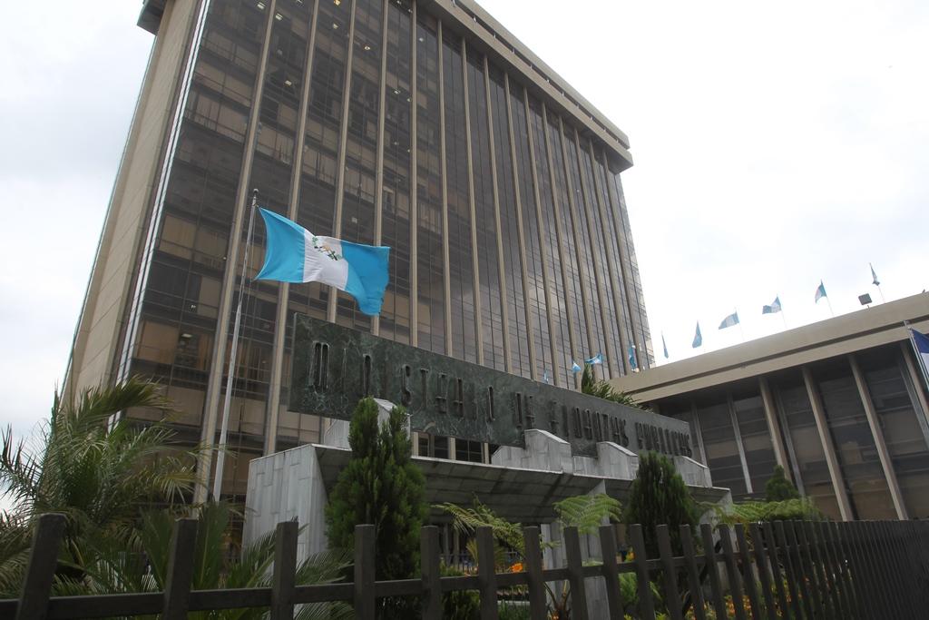 Gobierno espera liberación de bonos, aparte BM y BID revisan préstamos al país