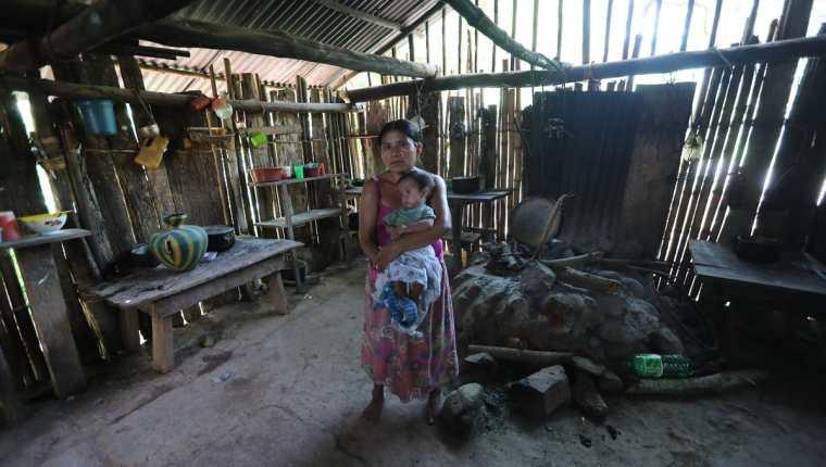 En Guatemala casi la mitad de la población sufre de desnutrición crónica, y el tema debe ser tomado en la agenda de país. (Foto Prensa Libre: Hemeroteca PL)