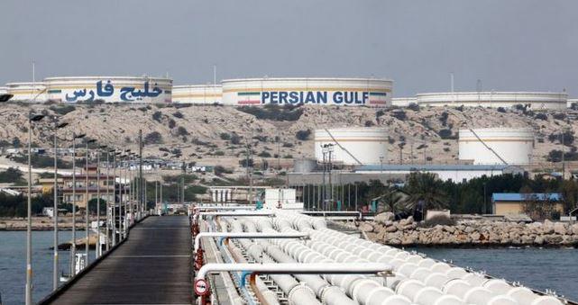 Una posible imposición de sanciones económicas a Irán es la principal causa del alza. (Foto Prensa Libre: Getty Images)