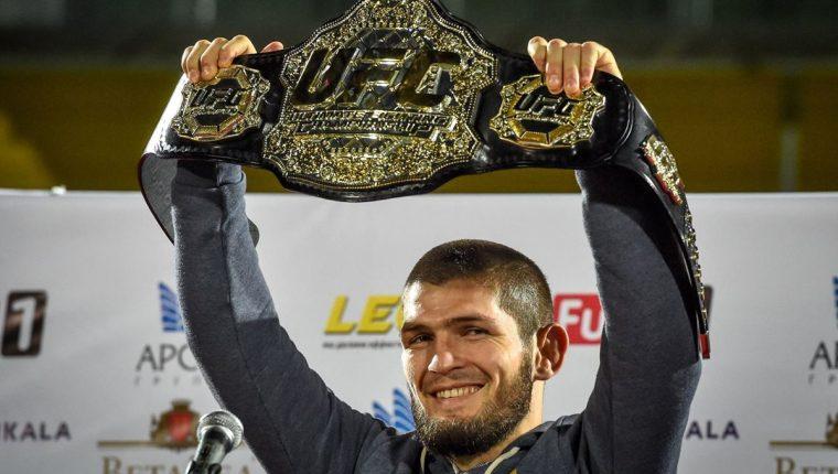 El luchador de artes marciales mixtas Khabib Nurmagomedov retó a Floyd Mayweather. (Foto Prensa Libre: AFP).