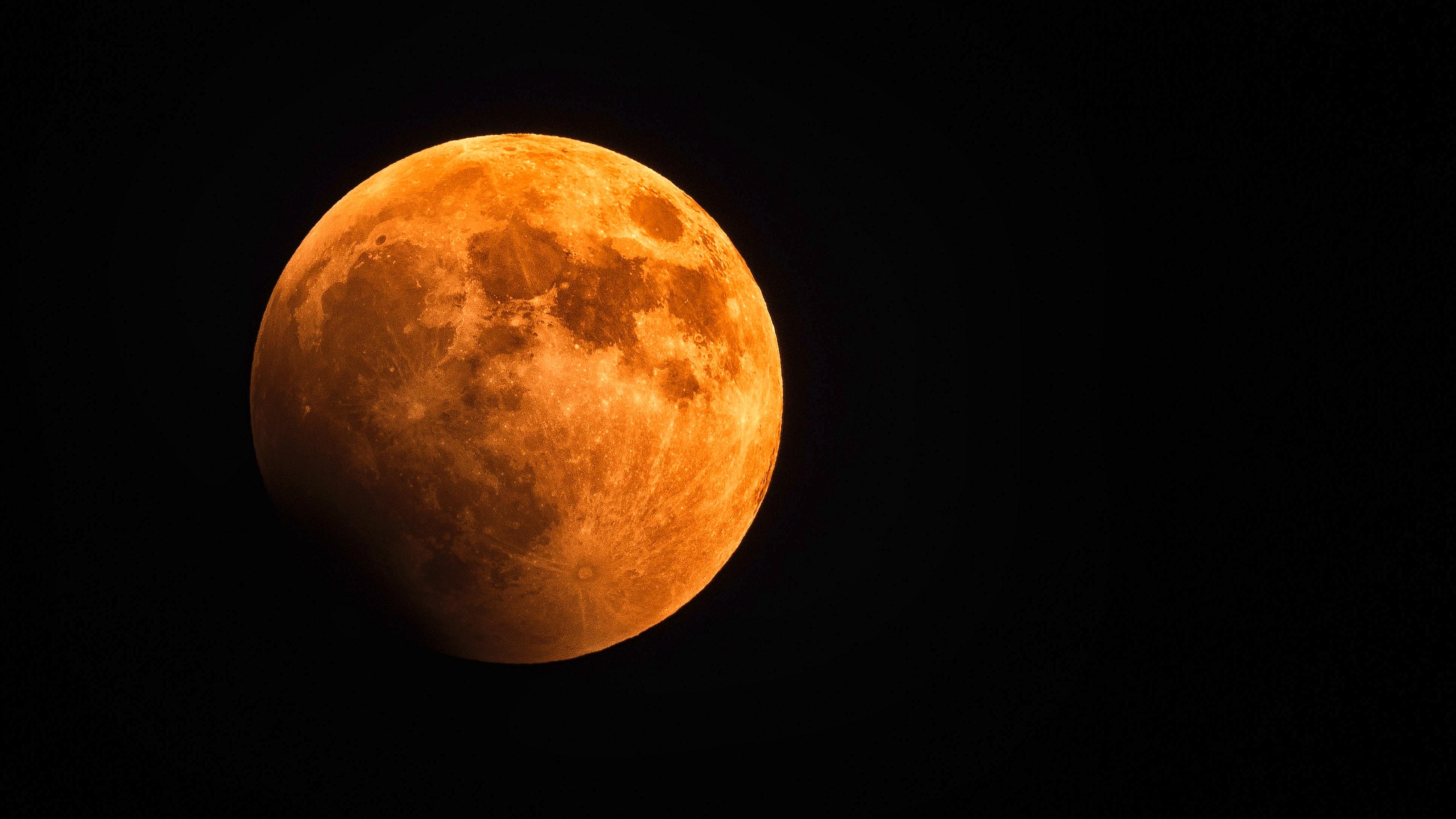 La luna de sangre suele despertar algunas creencias y mitos (Foto Prensa Libre: Servicios / Pexels).