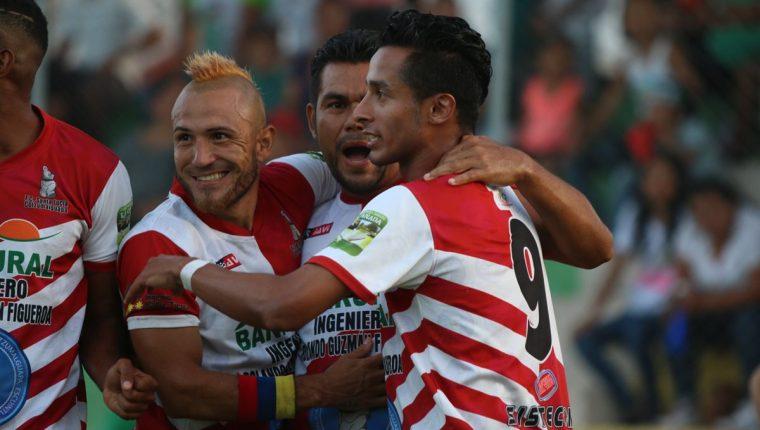 Santa Lucía Cotzumalguapa consiguió un buen resultado en la ida de la final del Apertura 2018 de la Primera División contra Sansare, 2-3. (Foto Prensa Libre: Eduardo Sam)