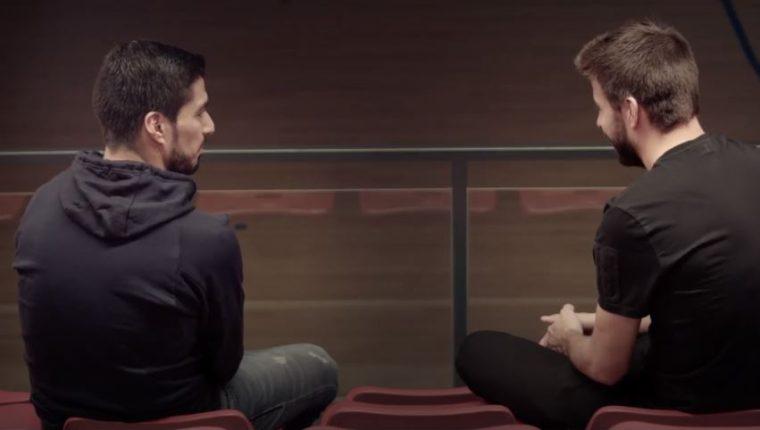 Luis Suárez y Gerard Piqué sostuvieron una charlas muy especial recordando las vivencias en Mundiales. (Foto Redes).