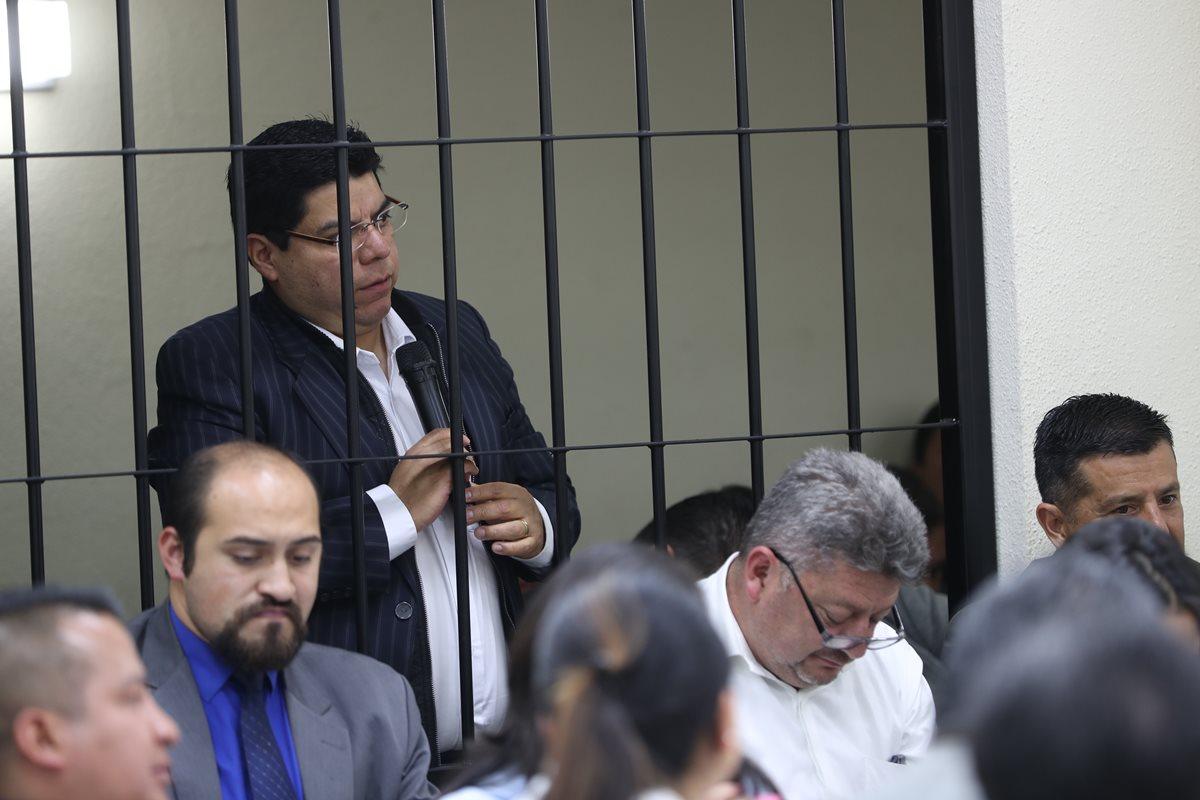El exsíndico, Carlos Illescas, según la versión del colaborador eficaz, Jorge Palomo Leppe, era la persona que recogía el dinero de las coimas de las obras. (Foto Prensa Libre: Mynor Toc)