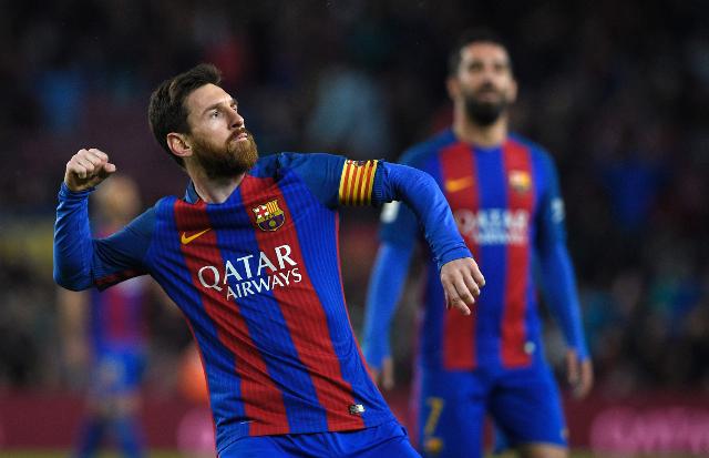 Con dobletes de Messi, Gomes y Alcácer, el Barcelona celebra el festín de goles en el Camp Nou