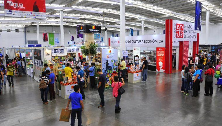 En Forum Majadas se realiza la Filgua 2017, finaliza el 23 de julio, de 9 a 21 horas es el horario de atención (Foto Prensa Libre: Álvaro González)