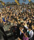 El conferencista John Maxwell cautivó a cientos de guatemaltecos en una charla que ofreció en el Domo polideportivo de la zona 13. (Foto Prensa Libre: Esbin García)