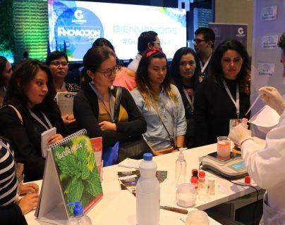 Más de 1,000 emprendedores, empresarios y académicos participaron de las últimas megatendencias, nuevos modelos de negocios y servicios para la innovación en Guatemala. (Foto Prensa Libre: Cortesía Agexport)