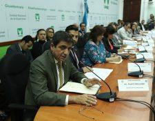 Felipe Orellana viceministro del Maga presenta la propuesta de reactivación para el sector caficultor a la Comisión de Economía del Congreso y se plantea ampliar el fideicomiso a 25 años. (Foto Prensa Libre: Esbin García)