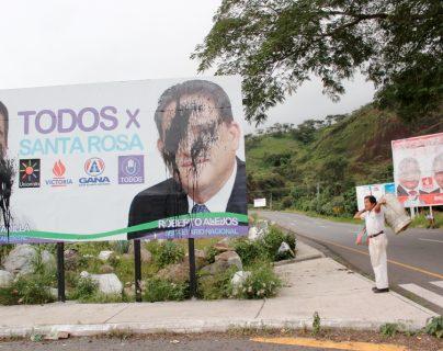 Las redes políticas que se construyen en torno a alcaldes y diputados son la pieza central para el financiamiento ilícito de la política, señala la Cicig, (Foto Prensa Libre: Hemeroteca PL)