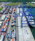 Los puertos del país presentan atrasos para la movilización de mercancías que se acentúo en junio pasado y esa situación preocupa al empresariado. (Foto Prensa Libre: Hemeroteca)