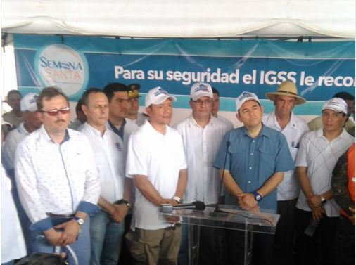 Jimmy Morales externó su respaldo al Ministro de Gobernación (Foto: Urías Gamarro)