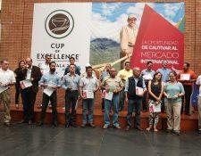 Las 20 mejores fincas de café reciben premio de la Cup of Excellence Guatemala 2016. (Foto Prensa Libre: Alvaro Interiano)
