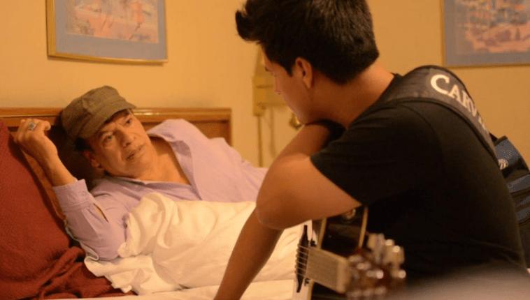 Juan Gabriel y su hijo, Luis Aguilera, en una fotografía (Foto Prensa Libre: Instagram).