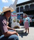 El 22 de marzo del presente año, pobladores de la comunidad San Rafael Las Flores presentaron documentos que comprueban que existe comunidad xinca en el lugar donde opera Minera San Rafael. (Foto Prensa Libre: Hemeroteca)